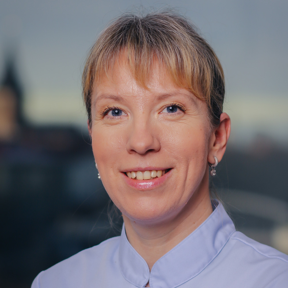 dr. Jana Annuk